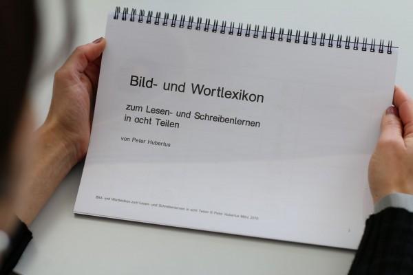 Bild- und Wortlexikon in acht Teilen